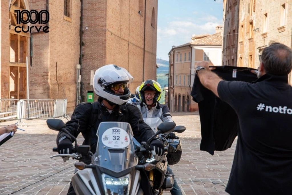 L'arrivo della Mille Curve lo scorso anno in piazza Cavour a Camerino