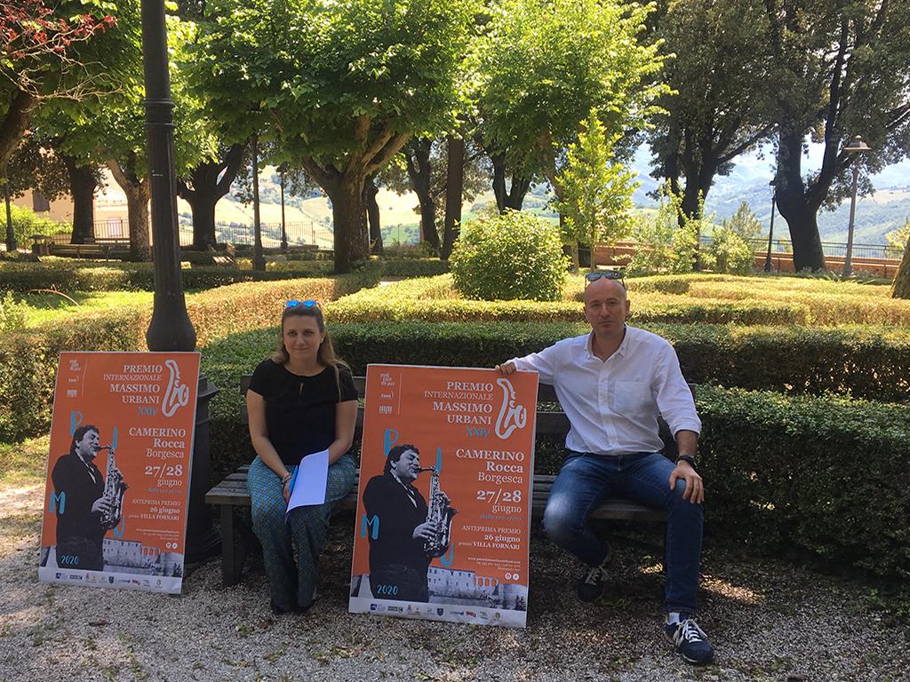 L'assessore alla cultura Giovanna Sartori insieme a Daniele Massimibis