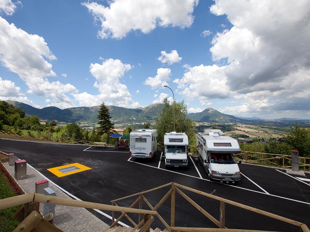 banner camper service